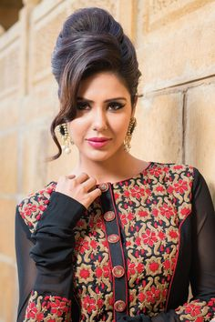 Black & #Red combo thread worked georgette with #boat #neck #design -SL3161