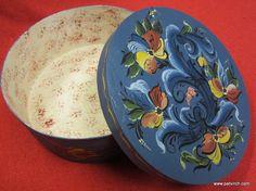 """Norwegian Rosemaling-- 8"""" round box"""