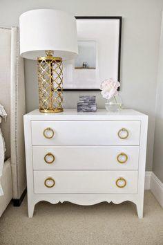 Idée dorée / blancs accents d'or parentales meubles beige neutre