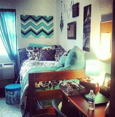 Dorm @Kalee Hughes Hughes Bailey  what do you think of this color scheme? I think it would be pretty to do ours in this.