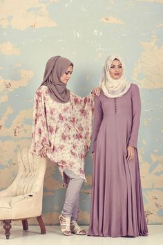 Hijab Fashion 2016/2017: Sélection de looks tendances spécial voilées Look Descreption Inayah, Islamic clothing & fashion, abayas, jilbabs, hijabs, jal