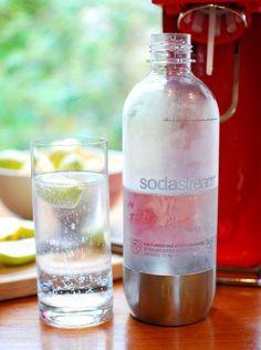 SodaStream Source Red. Gör kolsyrat vatten hemma när du vill på några få sekunder.