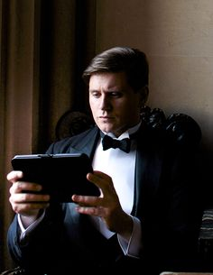 """Branson be all like """"Gotta check my Twitter. The times they are achangin'. Keep up with me Downton."""""""
