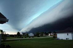 Like a giant wave crashing ashore, this shelf cloud seemed to swallow the town of Rochelle, Ill., on June Also known as the giant NOPE Great Photos, Cool Pictures, Beautiful Pictures, Hobby Photography, Amazing Photography, Giant Waves, Scary Images, Wild Weather, Science