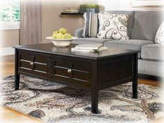 Good Henning Casual Black Wood Coffee Table Set