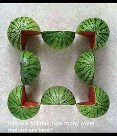 Beautiful and creative works of art created by Turkish artist Sakir Gokcebag. Carefully sliced fruits and vegetables are strategically arranged into patterns and shapes. Food Art is then photographed from above. L'art Du Fruit, Fruit Bio, Photo Fruit, Amazing Food Art, Fruit Photography, Photography Ideas, Photo Projects, Edible Art, Creative Photos