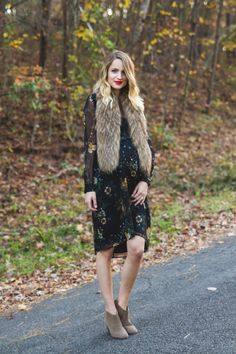 Little Blonde Book by Taylor Morgan | A Life and Style Blog : Dandelion Print Midi Dress