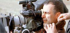 il premio del pubblico al Rotterdam International Film Festival. Due anni dopo, con Half Moon, Ghobadi vince nuovamente il premio maggiore a San Sebastian, mentre nel 2009 è per la terza volta a Cannes, con I gatti persiani, vincendo il premio speciale della giuria del Certain Regard.