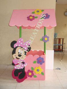 diseños de bienvenidos a mi fiesta - Buscar con Google Mickey Mouse Y Amigos, Minnie Y Mickey Mouse, Fiesta Mickey Mouse, Mickey Mouse And Friends, Daisy Duck Party, Minnie Mouse Clubhouse, Party Photo Frame, Puppet Crafts, Class Decoration