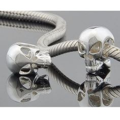 Sterling Silver Pandora style skull bead.