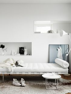 #white Barcelona daybed in #livingroom