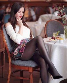 Women With Beautiful Legs, Lovely Legs, Pantyhose Outfits, Pantyhose Legs, Nylons, Sexy Outfits, Sexy Dresses, Cute Outfits, Estilo Vanessa Hudgens