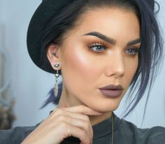 This girl is beautiful. The lipstick here amazing!