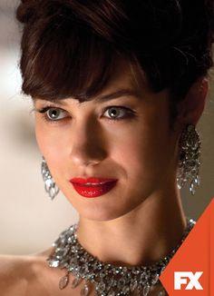 Olga Kurylenko es Vera Evans.  Magic City - Estreno, lunes 10 de junio, 23.00 / 23.30 VEN #ComienzaEnFX Mira contenido exclusivo en www.foxplay.com