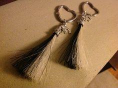 Tassel keyring Horse Hair Jewelry, Bespoke Jewellery, Braided Bracelets, Tassel, Beaded Jewelry, Jewelry Making, Pendants, Horses, Drop Earrings