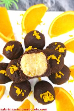 You can now have delicious Paleo dark chocolate orange cream truffles with silky interiors and coated with chocolate shells! Dark Chocolate Orange, Healthy Dark Chocolate, Chocolate Shells, Chocolate Truffles, Cakepops, Gluten Free Desserts, Delicious Desserts, Candy Recipes, Dessert Recipes