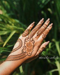 Henna Tattoo Designs Arm, Wedding Henna Designs, Rose Mehndi Designs, Henna Designs Feet, Indian Mehndi Designs, Stylish Mehndi Designs, Mehndi Designs For Fingers, Unique Mehndi Designs, Henna Designs Easy