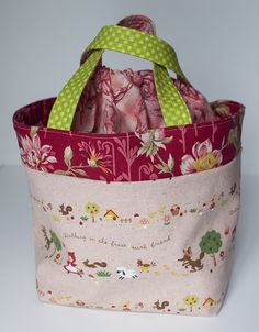 Excellent example tote using the pink penguin tutorial