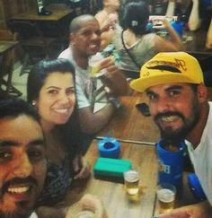 Aquecido para ver o barbudos. #preloshermanos #friends #loshermanos