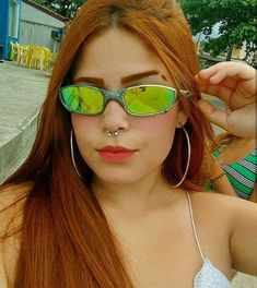 18 Best Ideas for piercing na sobrancelha e risquinho Fake Instagram, Lara Silva, Mirrored Sunglasses, Sunglasses Women, Pink Toes, Piercings For Girls, Cute Girl Face, Foto Pose, Girl Inspiration