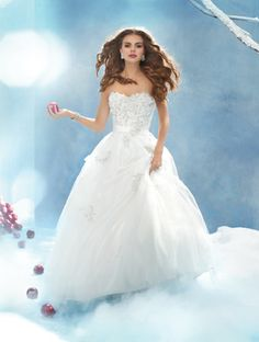 Alfred Angelo Snow White/ Style 207, $600 Size: 10 | New (Altered) Wedding Dresses