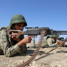 Syrian Kurds Battle Advancing Islamic State for Strategic Town