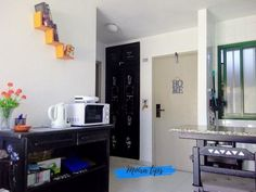 cambiare colore mobili di legno Shabby Chic, Kitchen Appliances, Paint, Interior Design, Storage, Furniture, Home Decor, Letter Case, Diy Kitchen Appliances