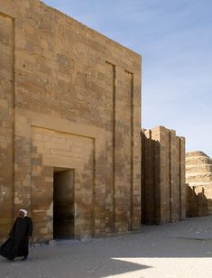 Egypt.  Photographs of the Pyramids.  Saqqara.  Photograph by Liao Yusheng.  LOTS of interesting Photos on the Photographers website - well worth checking it out if Egypt intrigues you.