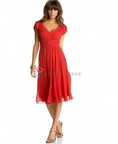 Rouge robe de cocktail col en V avec manches courtes plissée longueur aux mollets en chiffon
