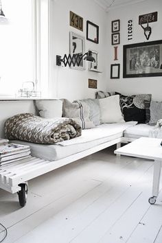 Fab black and white scheme with sofa on wheels