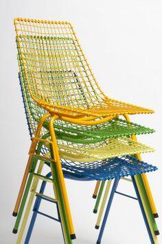 Siatkowe krzesło ogrodowe - krzesło z drutu. Proj. Henryk Sztaba (1968)