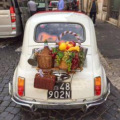 Fiat 500 in allegria!!! (by fedeccino on Tumblr) Nearby Piazza di Sant'Eustachio #fiat500nelmondo  #roma #italy #rome #fiat500 #vintage #igersroma #creativecommonslicense