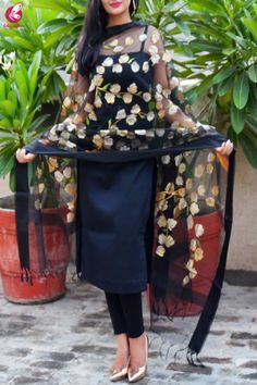 Shop Black Organza Handpainted Floral Stole - Stoles Online in India Kurta Designs Women, Kurti Neck Designs, Dress Indian Style, Indian Outfits, Indian Gowns Dresses, Indian Designer Suits, Kurti Designs Party Wear, Pakistani Dress Design, Simple Dresses
