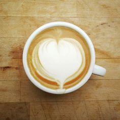 Guten Morgen! Wir haben schon ein Spaziergang mit den Kiddies gemacht jetzt erst ein Kaffee zum Aufwärmen. #frühling