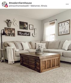46 Amazing Living Room Wall Decor Ideas While finishing a home, a standout amongst the most troublesome employments is picking wall art. This is made progressively troublesome when attempting to fill a vast wall in your living [Read More] Decoration Chic, Living Room Interior, Living Room Decor Country, Living Room Wall Decor, Simple Living Room Decor, Living Room Decor Dark Furniture, Living Room Wall Colours, Living Room Tables, Contemporary Living Room Decor Ideas