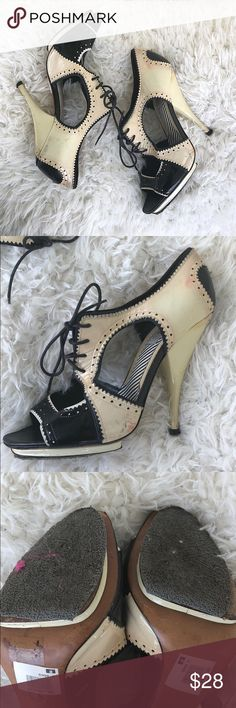 Moschino Black and Cream Open Toe Platform Heels! Very cute! Purchased at sample sale in showroom in NYC. Had been used for shoots. True to size! Has a bit of an antique vibe. Moschino Shoes Heels