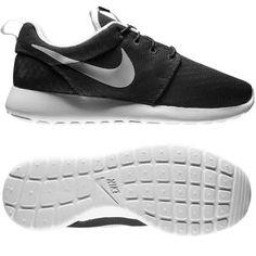 Ook Nike Roshe schoenen vind je via Aldoor in de uitverkoop! #mode #heren #mannen #schoenen #unisex #sneakers #hardlopen #hardloopschoenen #men #fashion ...
