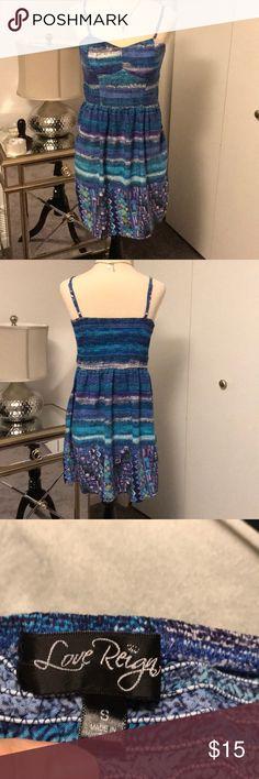 Love reign sun dress Cute juniors sun dress with built in bra. EUC Love Reign Dresses