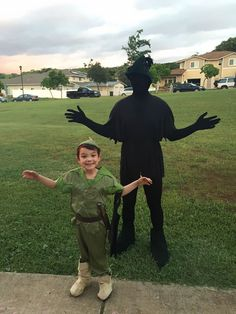 Creative Halloween Costume ideas: Peter Pan And His Shadow