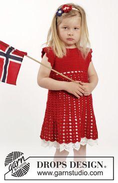 """Sættet består af: Hæklet DROPS kjole i """"Baby Merino"""" hæklet ovenfra og ned med raglan, korte ærmer og viftemønster og hæklet hårbånd i """"Baby Merino"""" med blomster. Str 2 - 10 år. ~ DROPS Design"""