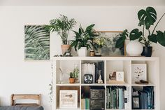 dunkle innenrume Boho Minimalist Office Inspiration - Tory Stender Minimalist home office ideas /. Minimalist Office, Minimalist Home Interior, Minimalist Living, Minimalist Decor, Minimalist Architecture, Simple Interior, Minimalist Lifestyle, Interior Modern, Scandinavian Interior