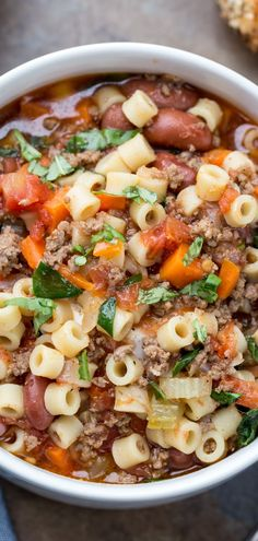 This under Olive Garden Copy Cat Pasta Fagioli Recipe is amazing. A de.This under Olive Garden Copy Cat Pasta Fagioli Recipe is amazing. A delicious and hearty soup recipe made with meat, pasta, and vegetables! Pasta Fagioli Crockpot, Pasta Fagioli Recipe, Pasta Soup, Fagioli Soup, Recipe Pasta, Pasta Fagoli Soup, Recipe Recipe, Hearty Soup Recipes, Healthy Hearty Soup