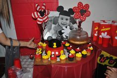 Mickey mouse cupcake display
