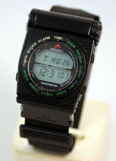 1983 Seiko Sports A828-6000 Giorgetto Giugiaro Digital LCD Rotary Bezel Watch