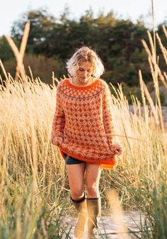For all sweater enthusiasts! For all those who love fuzz! Intarsia Patterns, Knitting Patterns, Sweater Patterns, Fair Isle Knitting, Knitting Yarn, Norwegian Knitting, Knit Crochet, Crochet Hats, Fair Isle Pattern