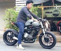 Benelli tnt300 cafe