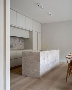 Sneak peek of our latest project in London, a complete renovation of an old Mews house. With subtle hues, bespoke details and inbuilt millwork we pay tribute. Interior Desing, Interior Design Inspiration, Nordic Interior, Kitchen Interior, Kitchen Decor, Mews House, Kitchen Taps, Kitchen Units, Cuisines Design