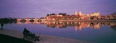Centro histórico de Aviñón: palacio de los papas, conjunto episcopal y puente de Aviñón Francia.