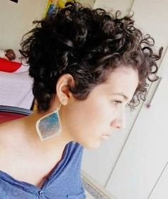 Resultado de imagem para short haircuts 2017 for curly hair