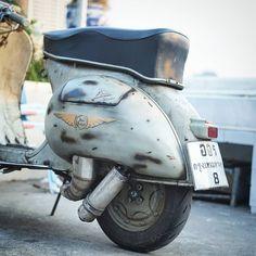 Vespa Bike, Vespa Lambretta, Vespa Scooters, Races Fashion, Italian Women, Ponies, Motorcycles, Shots, Wheels